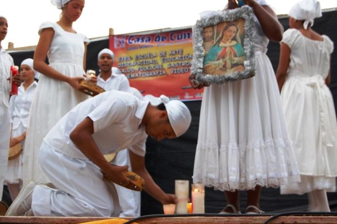 El Teatro Popular Danzante durante el acto de inauguración de la Casa de Cultura.