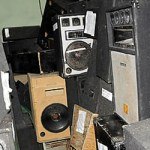 Interior y Policía advierte que continuarán los operativos contra los colmados ruidosos.