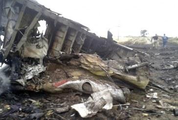 Dicen avión de Malaysia Airlines con 295 pasajeros a bordo fue derribado
