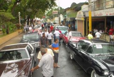 Club de Autos Antiguos visita San José de Ocoa