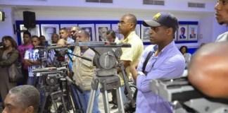 El día que los camarógrafos bajaron sus cámaras ante los dirigentes del PRD. (Foto Martín Castro. Diario Libre)