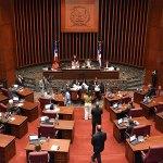 Los senadores están trabajando bajo la presión de grupos sociales que reclaman que Loma Miranda sea parque nacional
