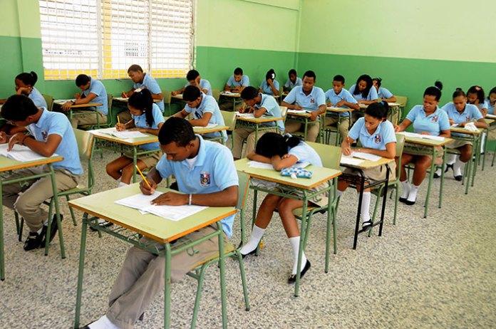 Educación dice que las Pruebas de octavo grado tuvieron una masiva asistencia.