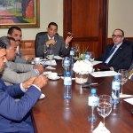 Senadores plantearon hoy su preocupación por la injerencia de emisoras ilegales en sus provincias fronterizas.