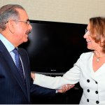 El presidente Danilo Medina recibe a la secretaria General Iberoameri-cana, Rebeca Grynspan