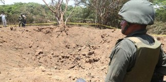 La fotografía muestra el cráter que dejó la explosión de un meteorito anoche en Managua. Foto tomada de El19Digital.com