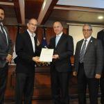 El Procurador General de la República Francisco Domínguez Brito entre el reconocimiento