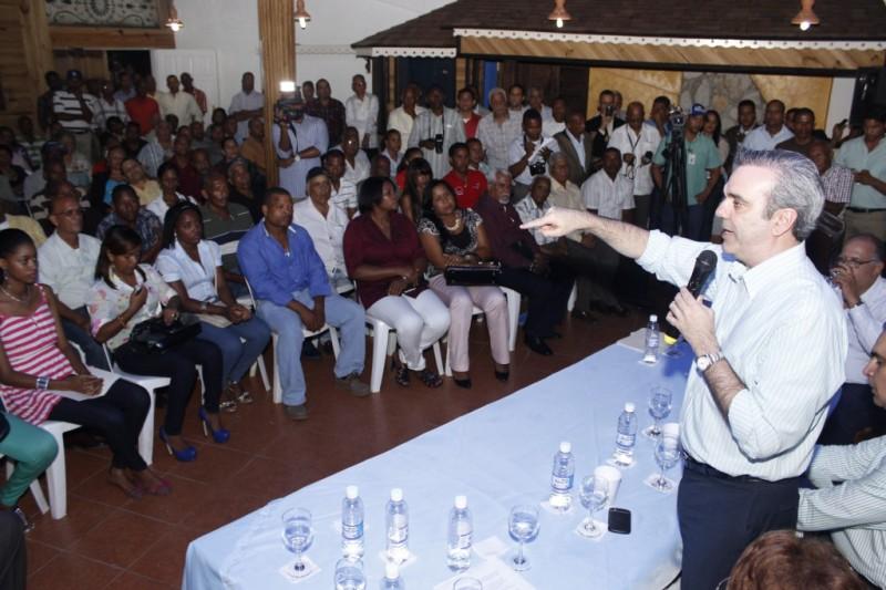 Abinader afirma PRM está centro en hacer oposición propositiva