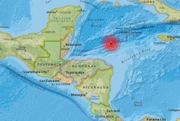 Alerta de tsunami en el mar Caribe tras terremoto de 7.6