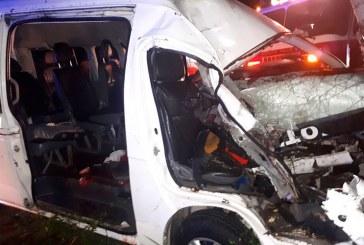 Identifican un muerto y 14 heridos en incidente de tránsito carretera Verón