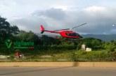 Hombre aterriza helicóptero para comprar puerco asado en el Cibao