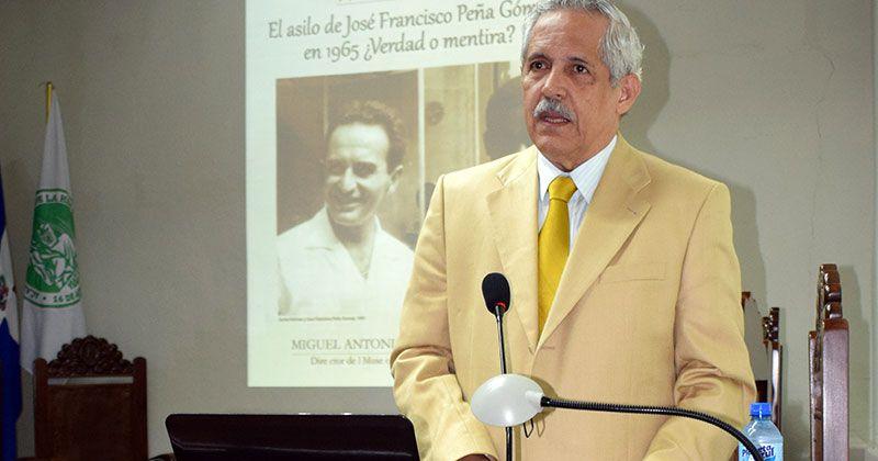 De Camps niega Peña Gómez se asilara embajada de México en 1965