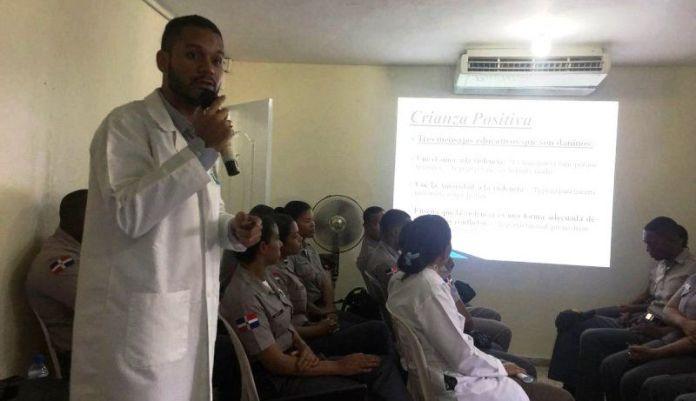 Policía inicia programa de charlas