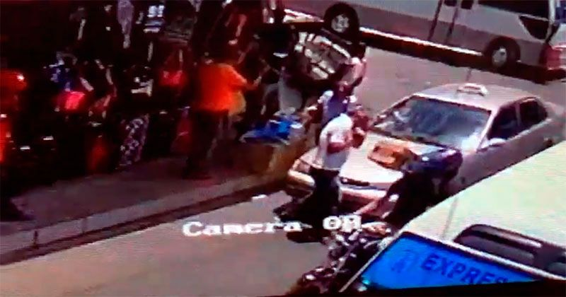 Apresan sicarios asesinaron 2 hombres en terminal autobuses de Santiago