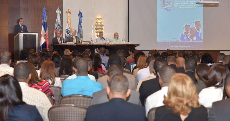 Navarro destaca evaluaciones internacionales en Educación