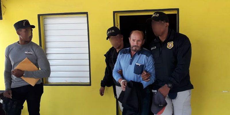 DNCD apresa y deporta narcotraficante prófugo justicia italiana