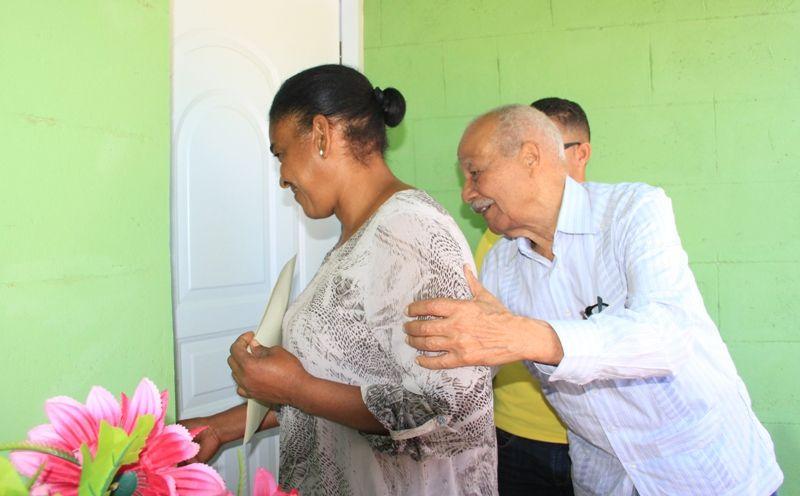 Procomunidad entrega viviendas en Mao y Esperanza