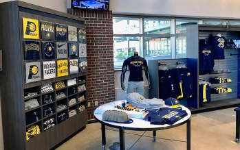 2017-09-28 Pacers Team Store Re-opening6