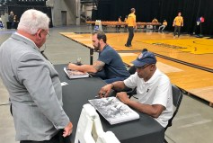 2017-10-15 Pacers FanJam Pollard and McGinnis signing