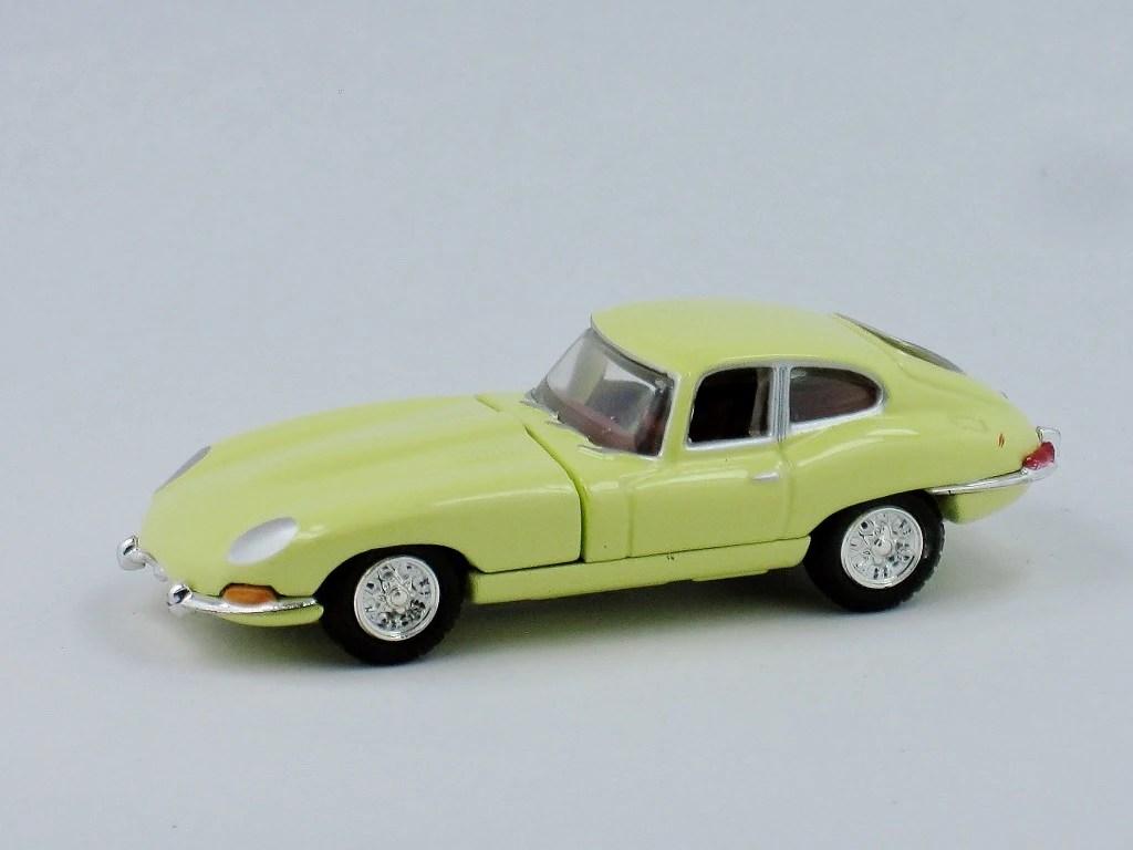 coupe versions the jaguar xke  [ 1024 x 768 Pixel ]