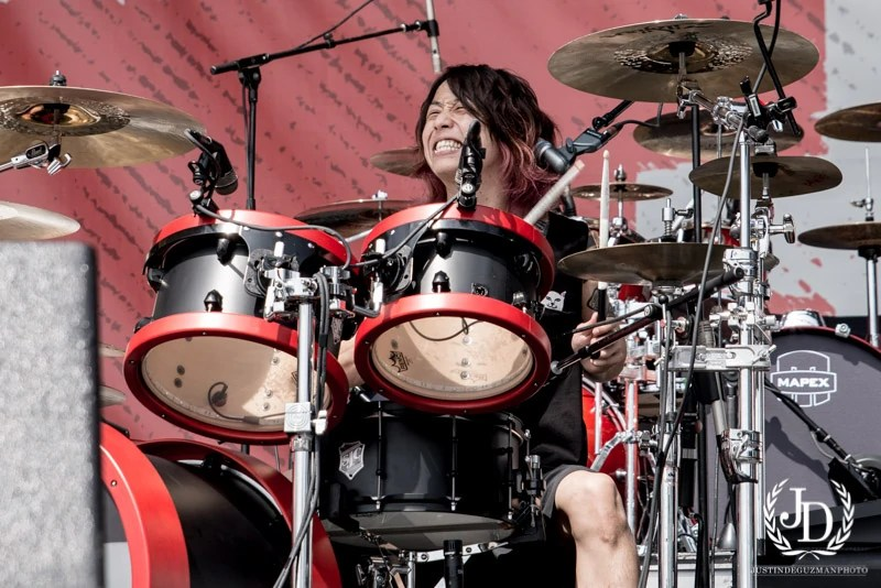 Fall Wallpaper Japan Tomoya One Ok Rock Wiki Fandom Powered By Wikia