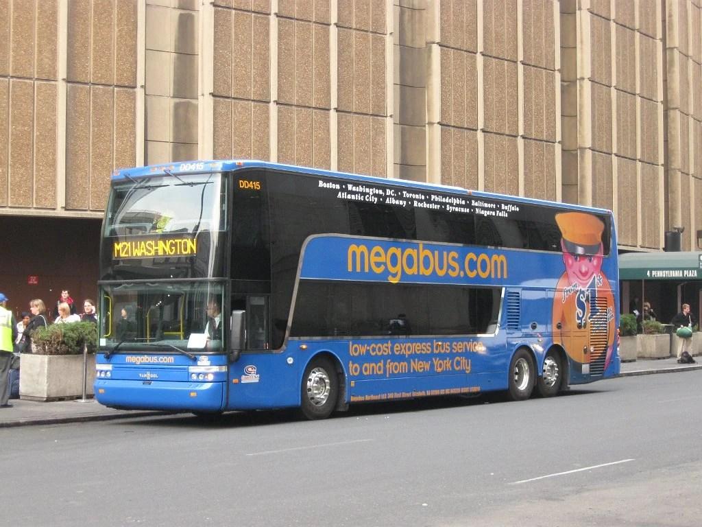 hight resolution of coach usa megabus van hool td925 dd415