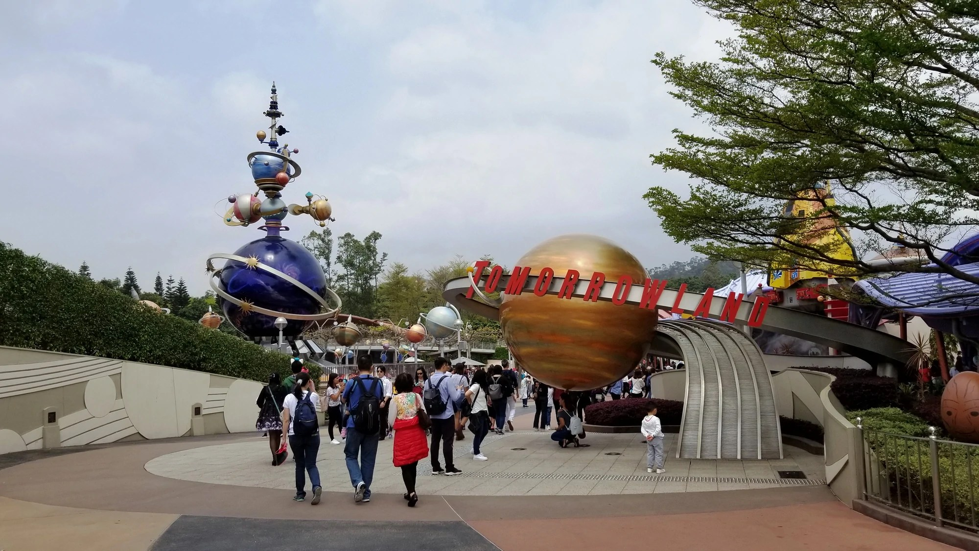 Tomorrowland Hong Kong Disneyland Disney Wiki Fandom