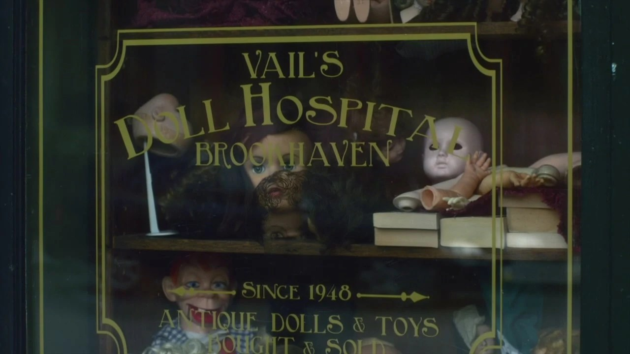 Scary Little Girl Wallpaper Vail S Doll Hospital Pretty Little Liars Wiki Fandom
