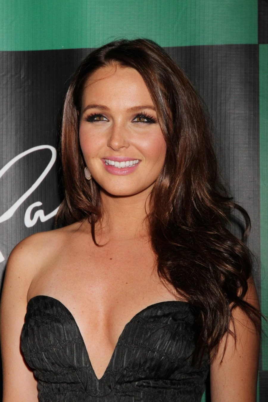 Camilla Luddington Lara Croft Tomb Raider Wiki Fandom Powered Wikia