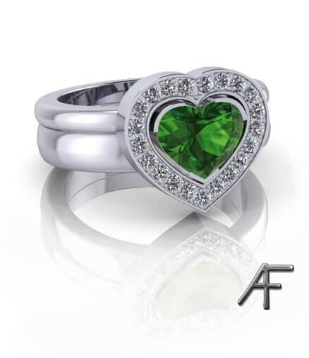 hjärtslipad grön tumalin i vitguldsring
