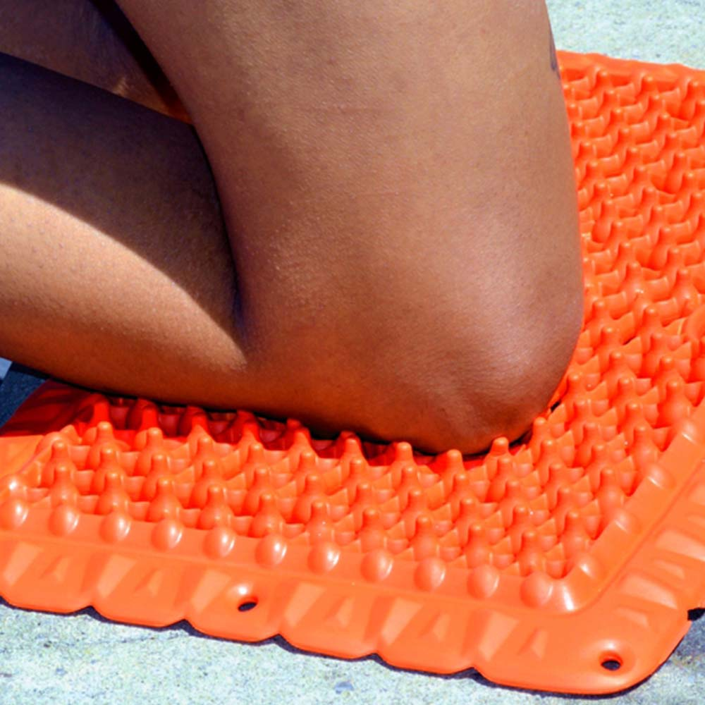 yoga knee on vigurus mat