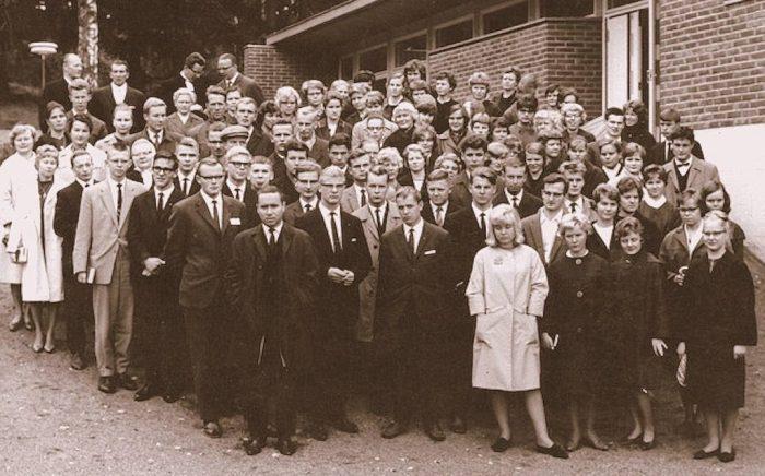 60-luvun nuorisoa Ylioppilaslähetyksen tapahtumassa, luultavasti Kauniaisissa.