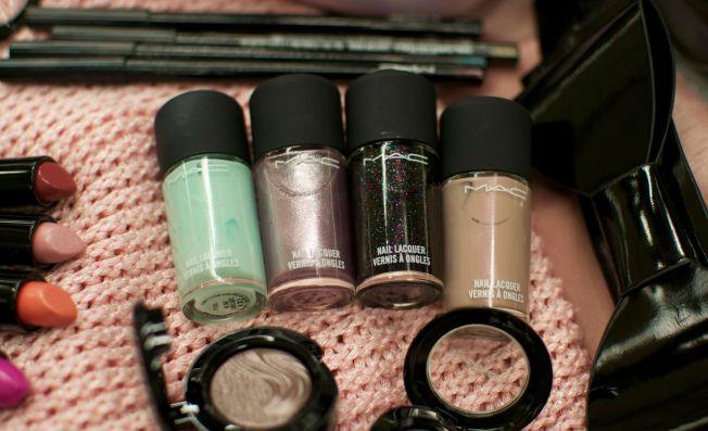 mac_glamourdaze_nails