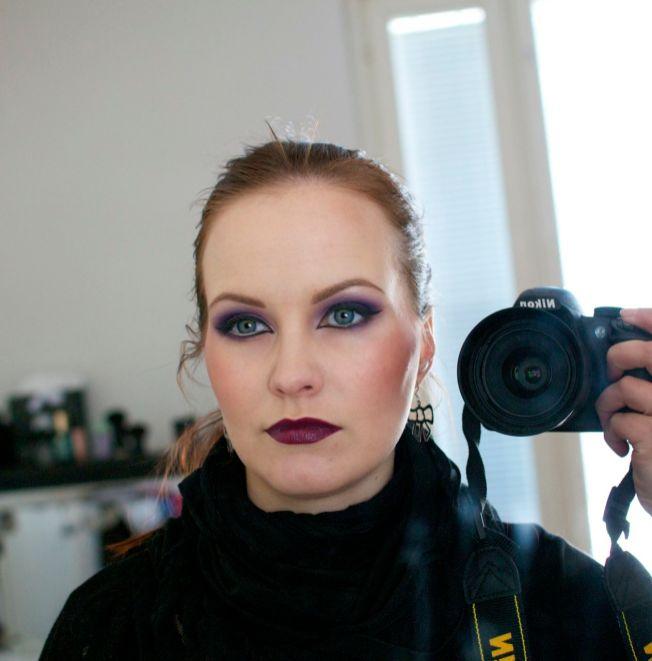 strong_eye_makeup_2