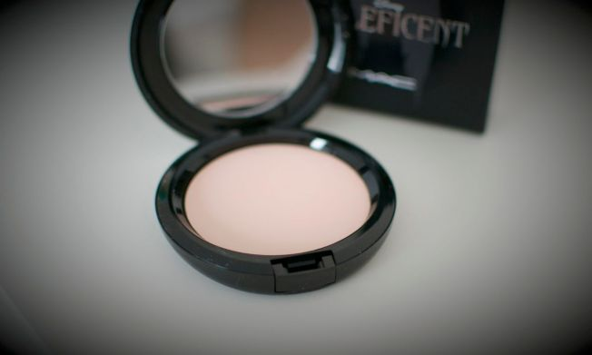 mac_beauty_powder