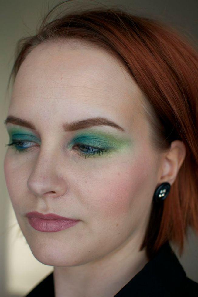 moody_blooms_makeup