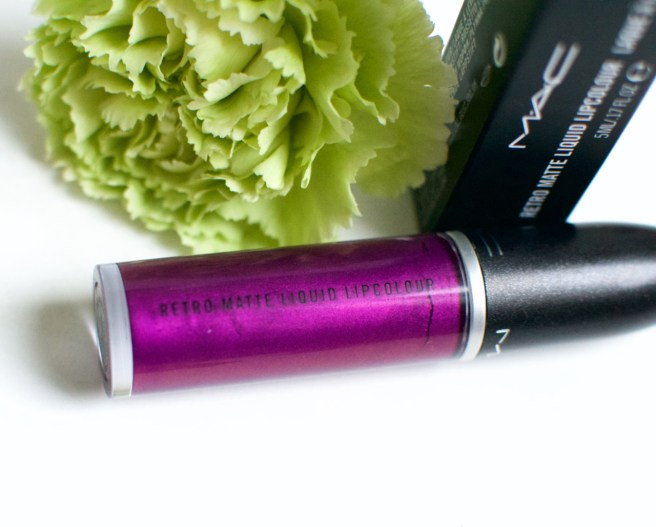 mac_retro_matte_liquid_lipstick_atomized