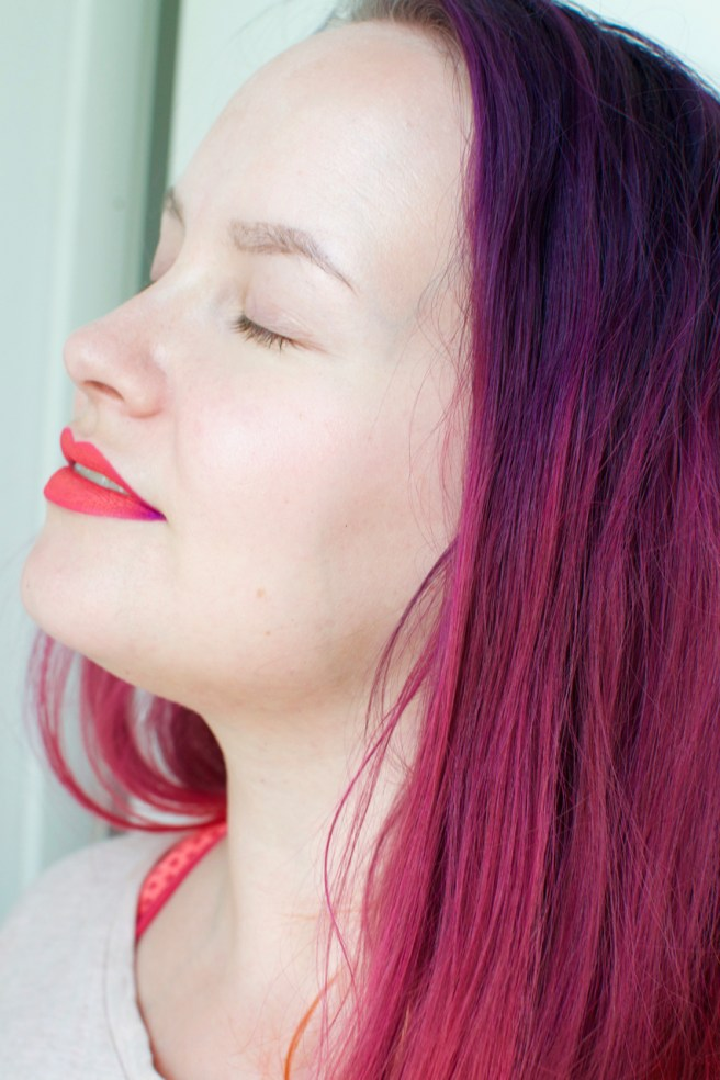 neon_lips