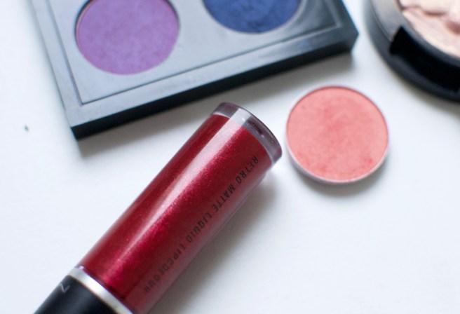 mac_love_weapon_liquid_lipstick_retro_matte_viilankantolupa