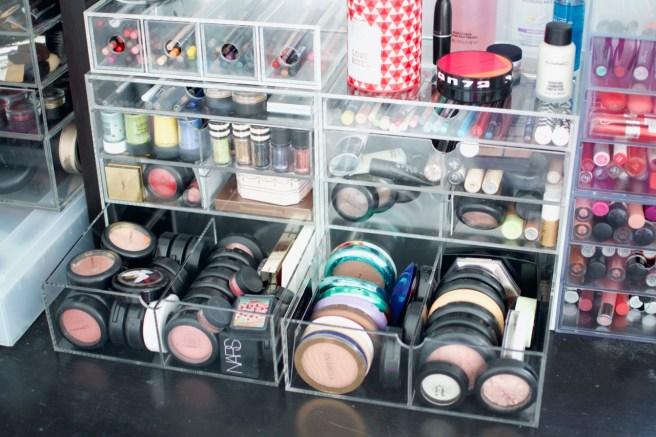 Meikkikokoelma - meikkien säilytys