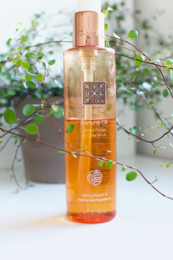 Rituals Fortune Oil Cedarwood & Orange Caring Shower Oil -suihkuöljy