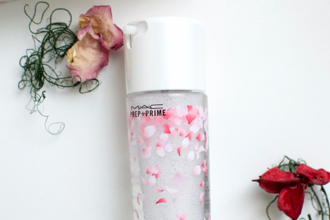 MAC Cherry Blossom Fix+ -kasvosuihke