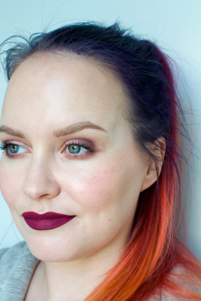 mac_oh_lady_retro_matte_liquid_lipstick_swatch_pale_skin