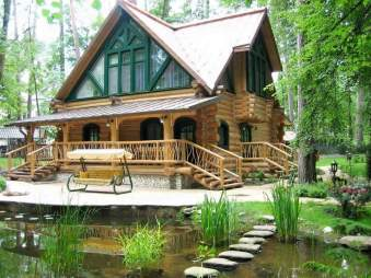 Cabana de langa lac