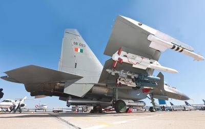 सुपरसोनिक लड़ाकू विमान सुखोई-30