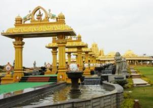 भारत का एक ऐसा लक्ष्मी मंदिर, जिसमें लगा है 15 हजार KG सोना