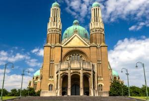 दुनिया के 10 सबसे बड़े चर्च, निहारिए, शानदार है इनका BASILICA