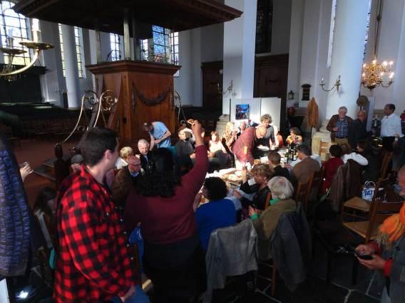 De afterparty opnieuw in de kerk