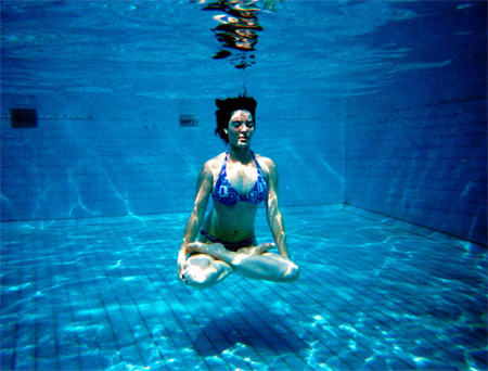 יוגה מתחת למים