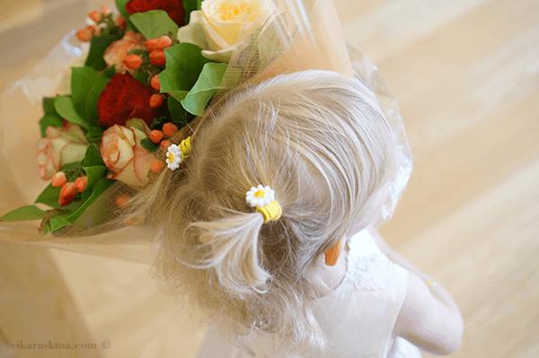 vika raskina - little girl with flowers
